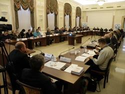 Нужно ли кроить выборы по одному лекалу? Международные эксперты обсудили проблемы наблюдения за выборами в РФ и за рубежом