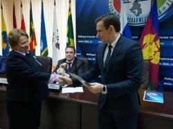 Отработавших «на пятерку» на выборах в Заксобрание Кубани наградили в избиркоме
