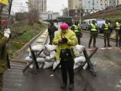 Путин: ситуация с выборами на Украине безобразна, отвечать Россия не будет